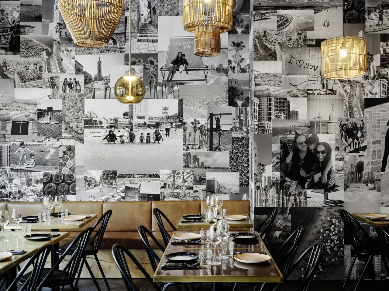 Inneneinrichtung mit Tischen und Stühlen des Joseph Restaurants